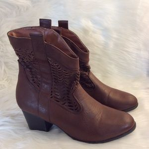 Rue 21 ETC Brown Boots Womens size 7/8